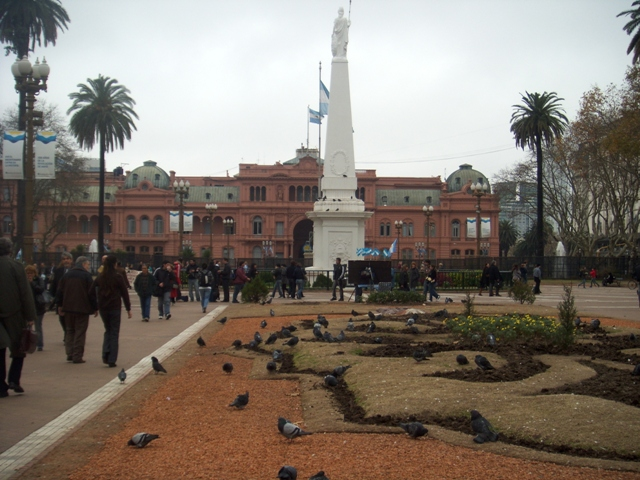 La Casa Rosada (equiv of the White House)