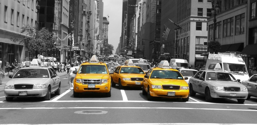 New York Taxis (photo courtesy of the (Internet)