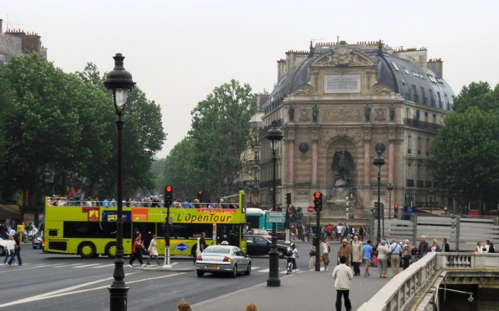 Open Tour Bus