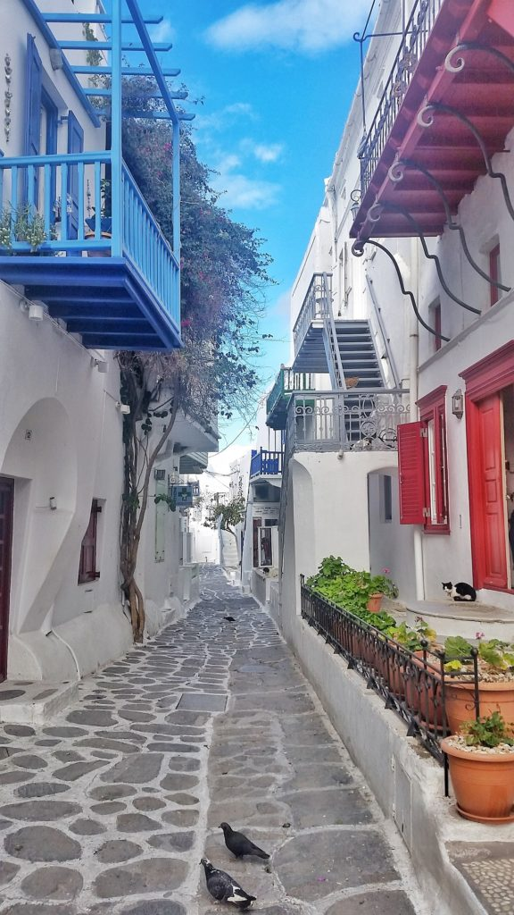 Pretty streets of Hora, Greece_Mykonos